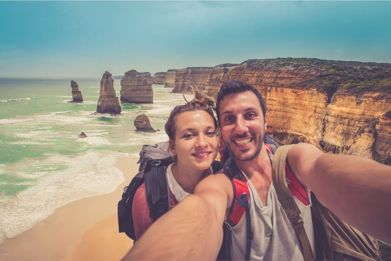 Couple traveling in Australia